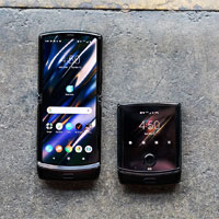 Складывающийся Razr от Motorola получит новые возможности с обновлением Android 10